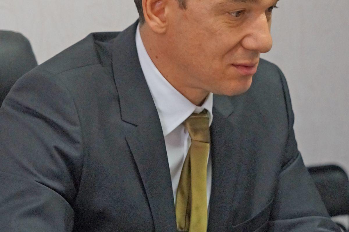 Главный нарколог Краснодарского края Дмитрий Любченко:  «Родители с самого раннего возраста должны прививать детям чувство собственного достоинства. Чем ребенок увереннее в себе, тем ниже вероятность